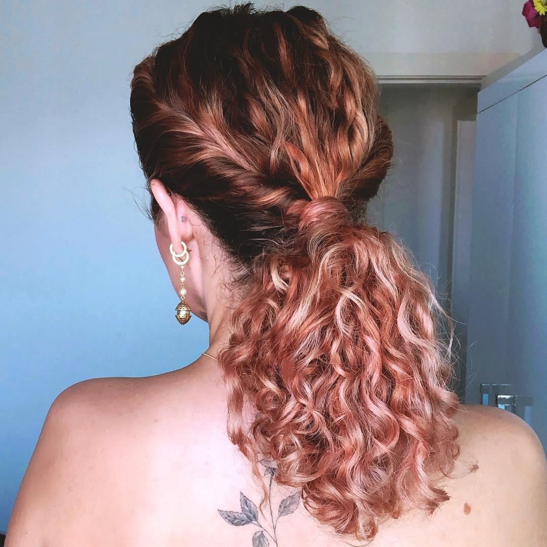 penteados para cabelos cacheados 50