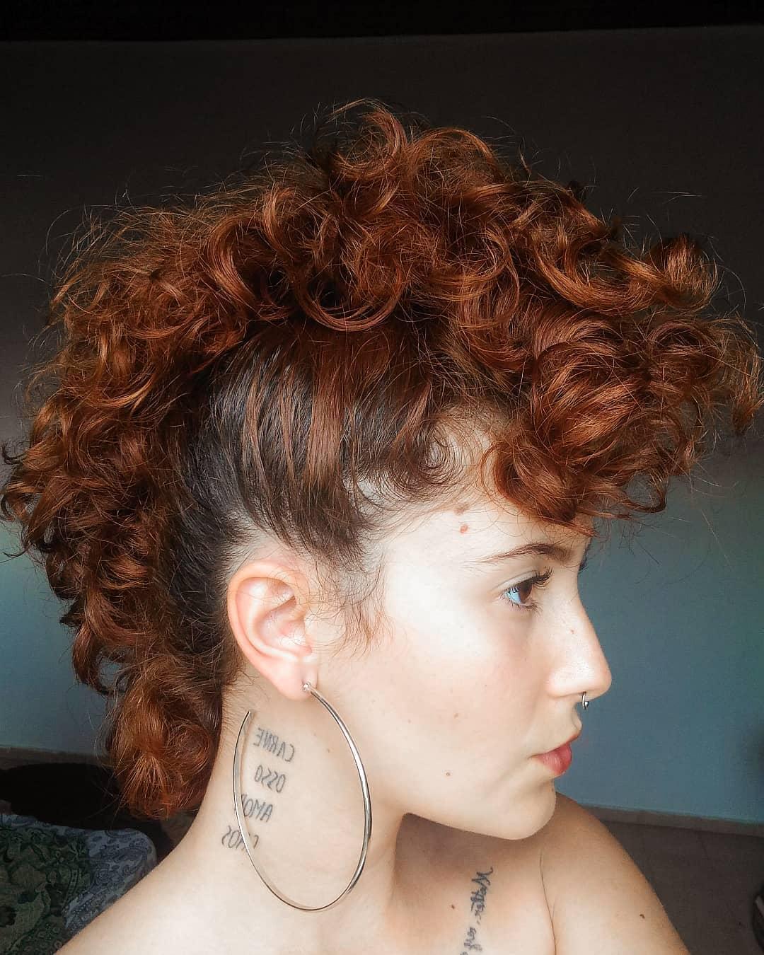 penteados para cabelos cacheados 47