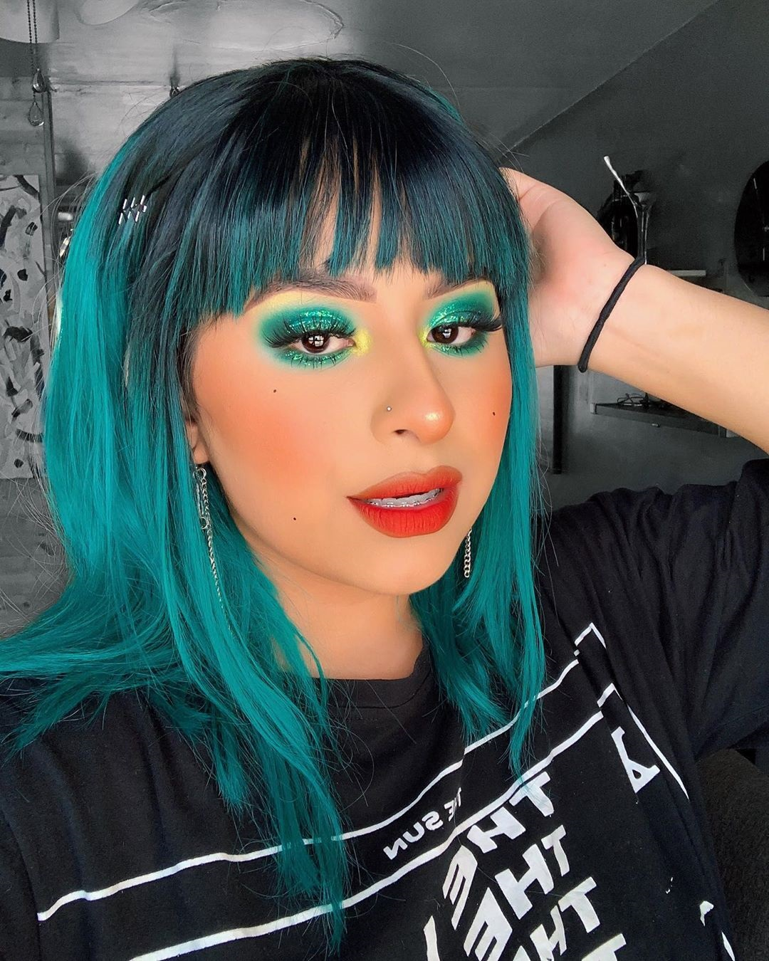 40 inspirações de maquiagem com glitter para brilhar em qualquer ocasião - 16