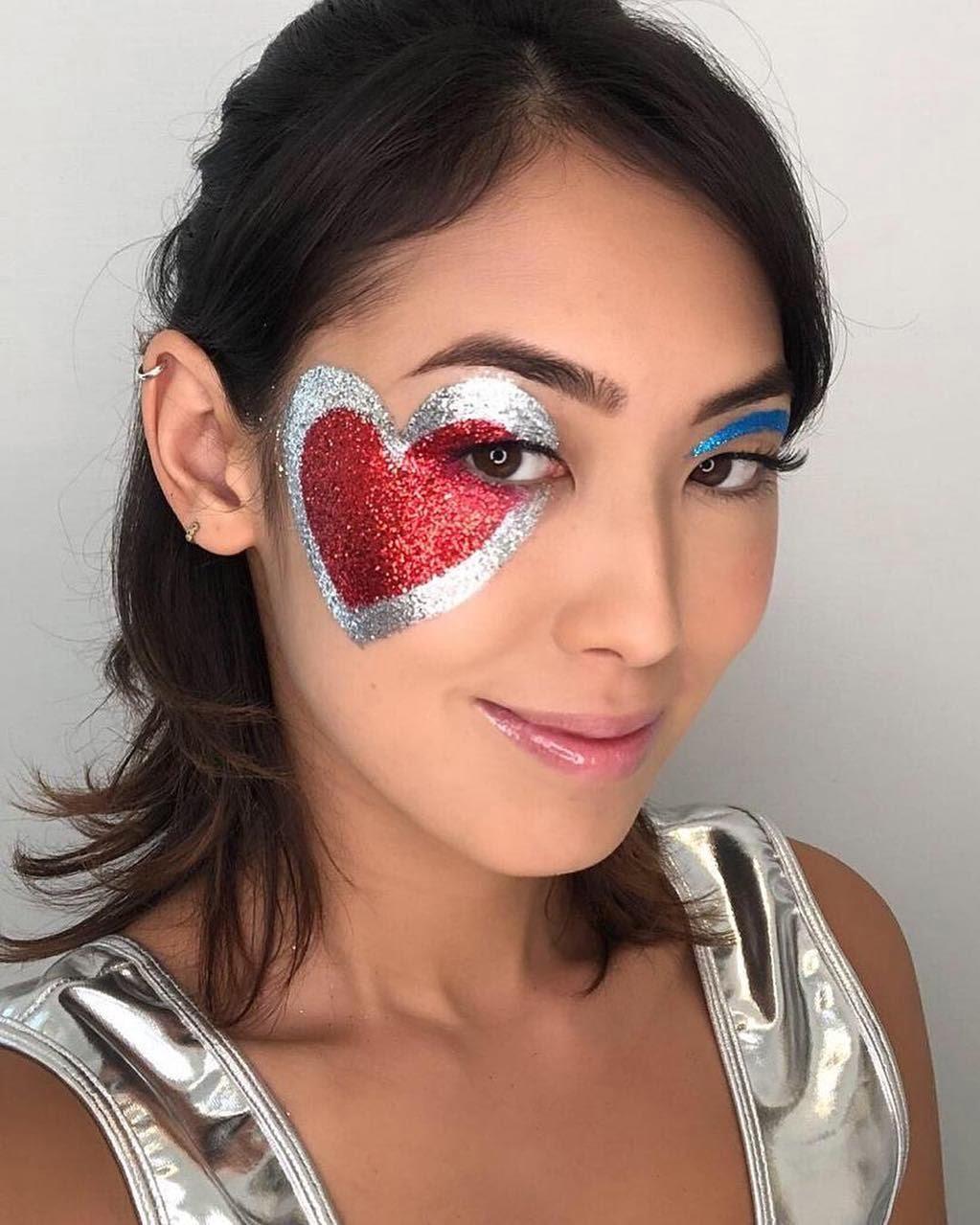 40 inspirações de maquiagem com glitter para brilhar em qualquer ocasião - 31