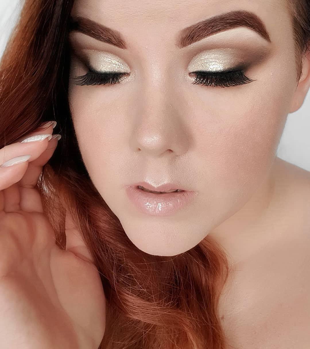 40 inspirações de maquiagem com glitter para brilhar em qualquer ocasião - 38