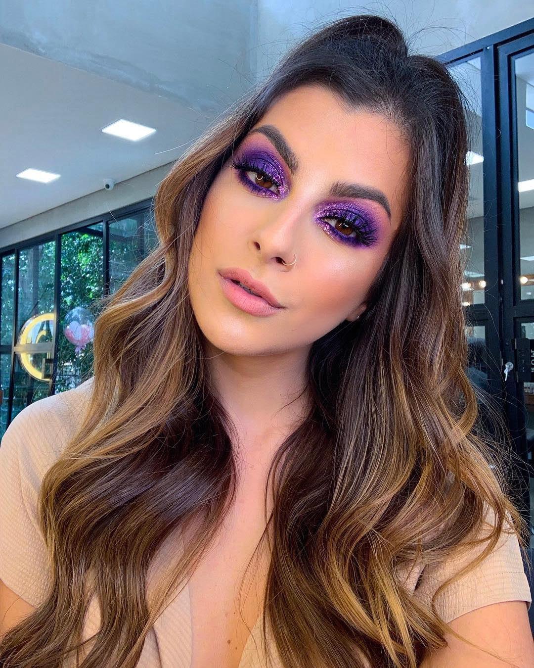 40 inspirações de maquiagem com glitter para brilhar em qualquer ocasião - 40