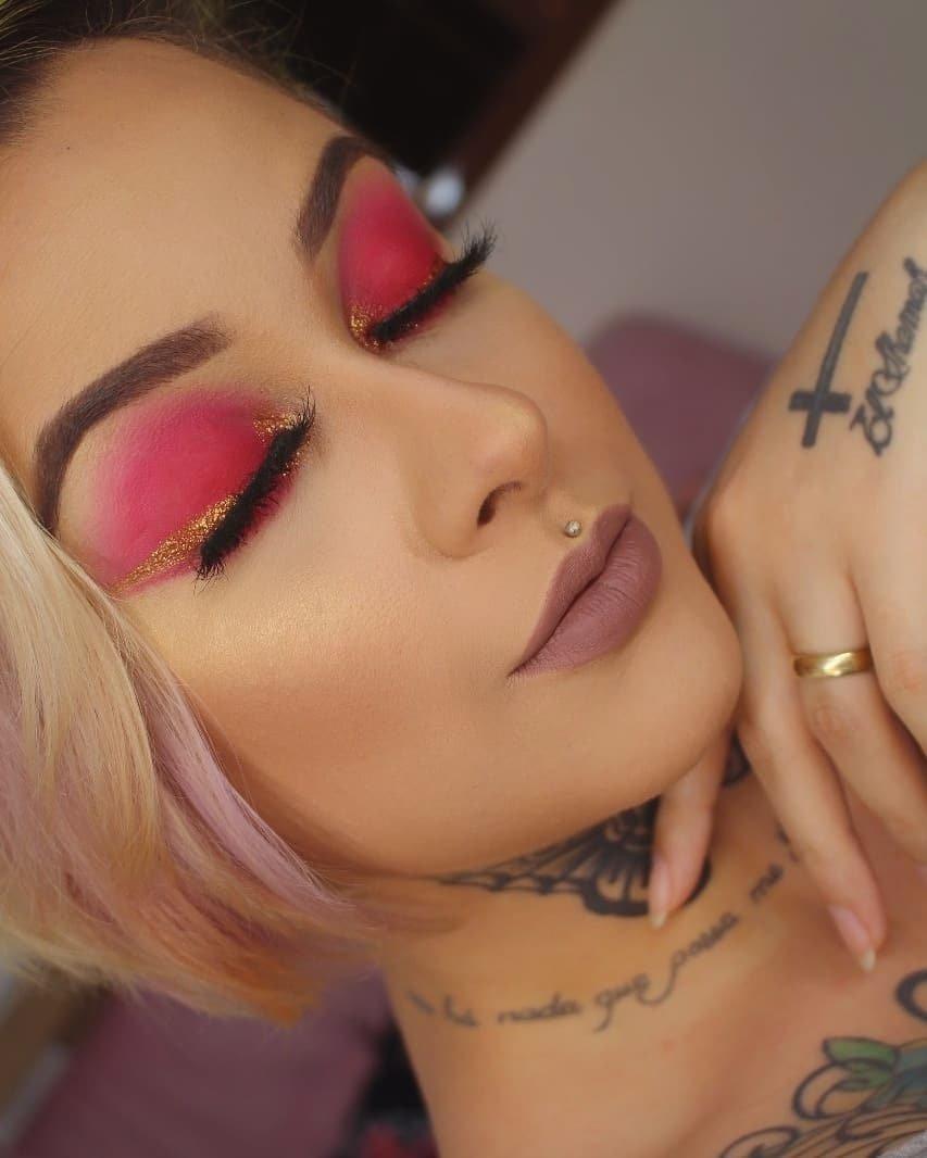 40 inspirações de maquiagem com glitter para brilhar em qualquer ocasião - 41