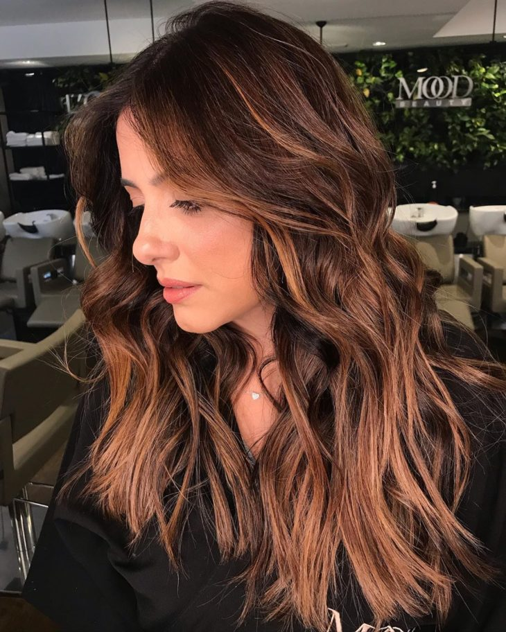 cabelos com luzes 60