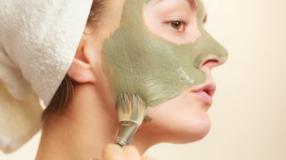 Máscara de argila: benefícios e dicas para cuidar da pele