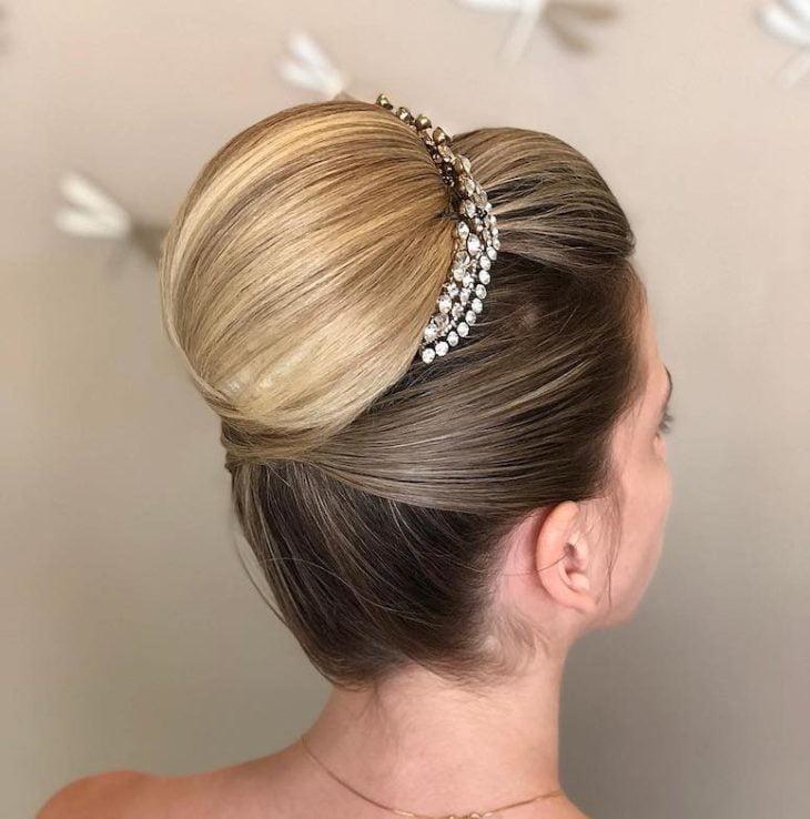 penteados para noivas 54