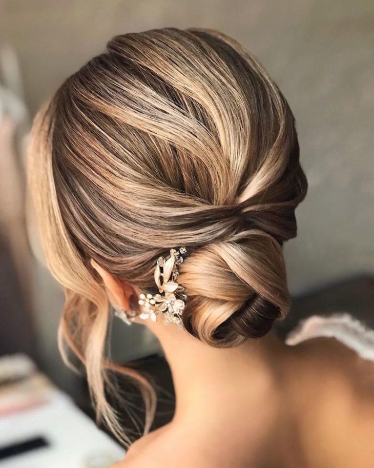 penteados para noivas 70