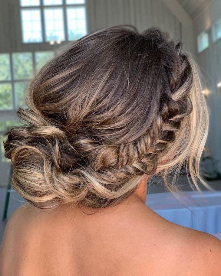 penteados para noivas 105