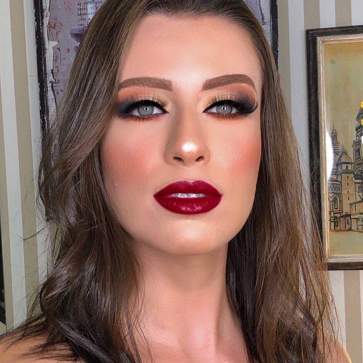 maquiagem com batom vermelho 14