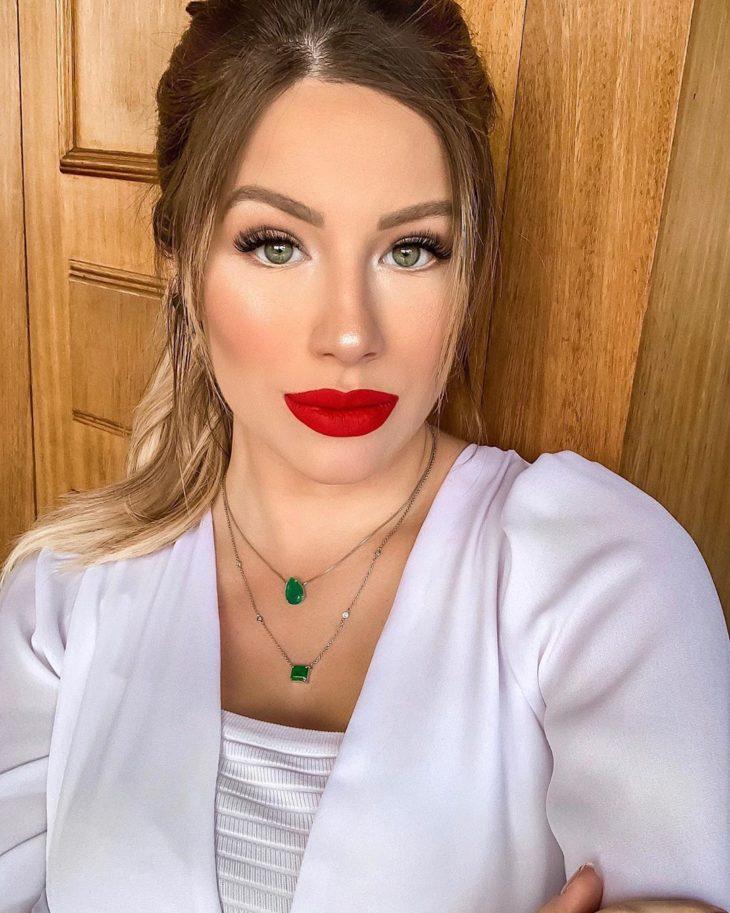 maquiagem com batom vermelho 6