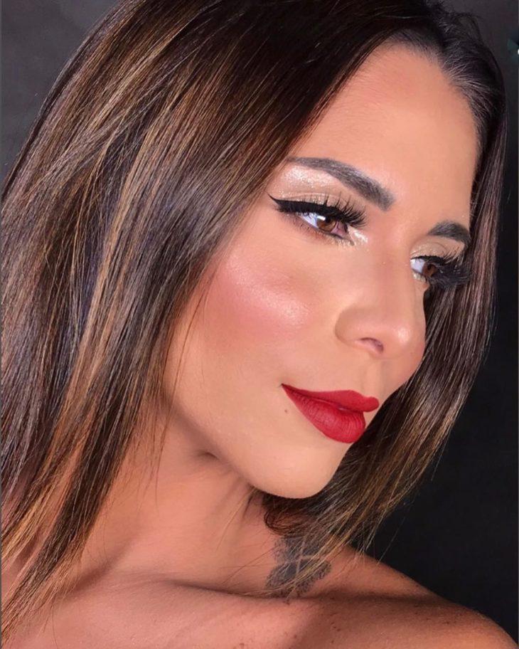 maquiagem com batom vermelho 8