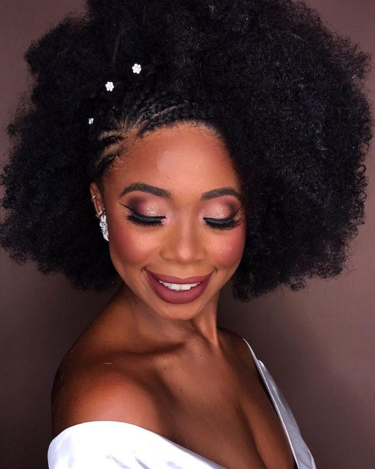 Penteados para cabelos crespos: 60 imagens estilosas para se inspirar - 18