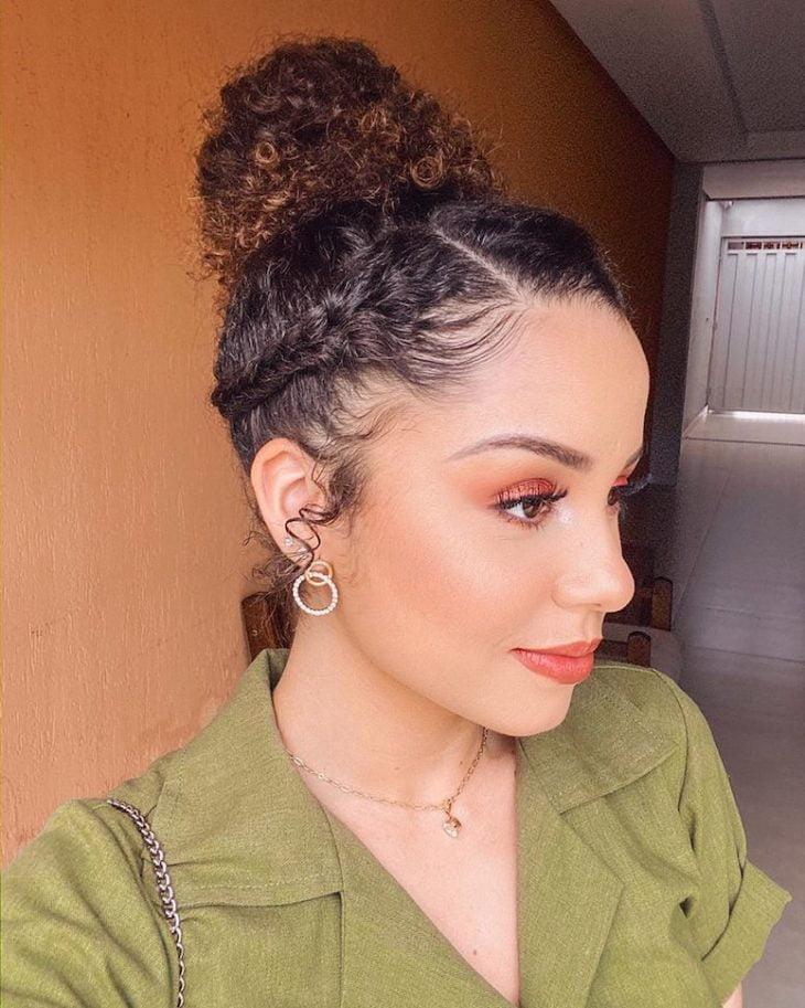 Penteados para cabelos crespos: 60 imagens estilosas para se inspirar - 28