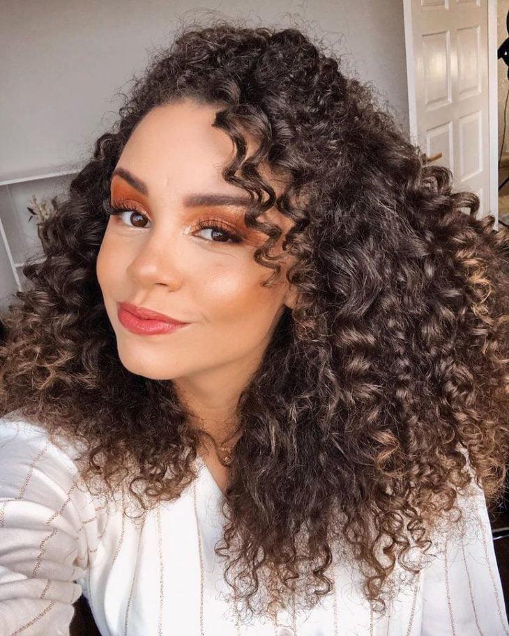 Penteados para cabelos crespos: 60 imagens estilosas para se inspirar - 35