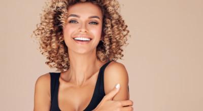 Shampoo tonalizante: aprenda como turbinar a cor dos cabelos e arrasar