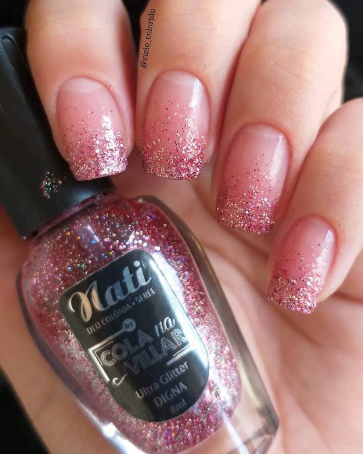 Unhas com glitter: 45 maneiras de arrasar no visual - 16