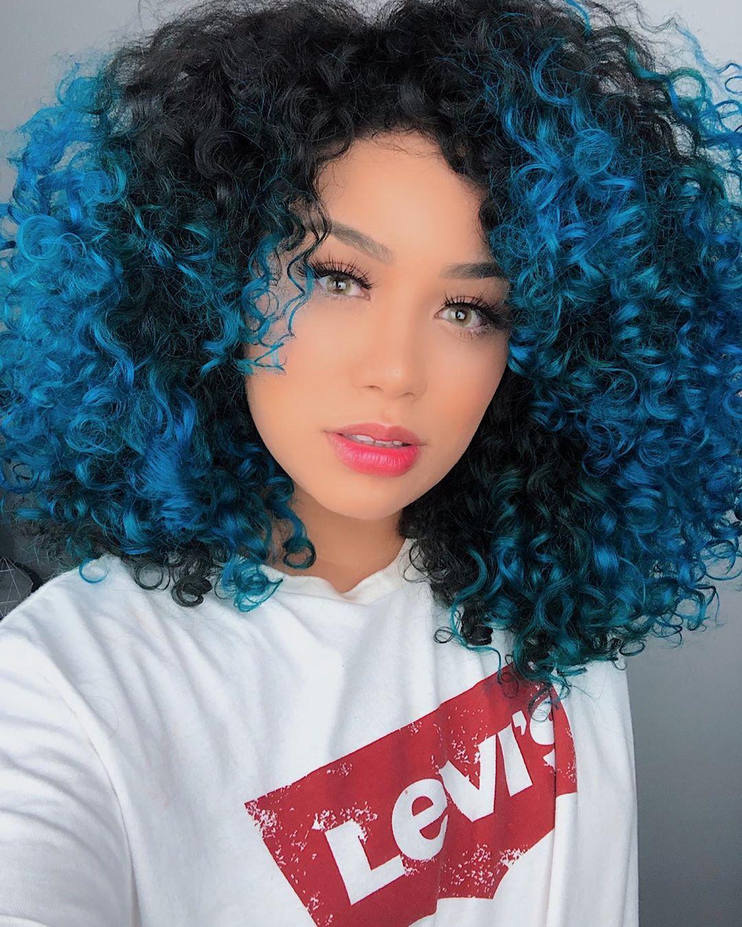 cabelo cacheado colorido 13