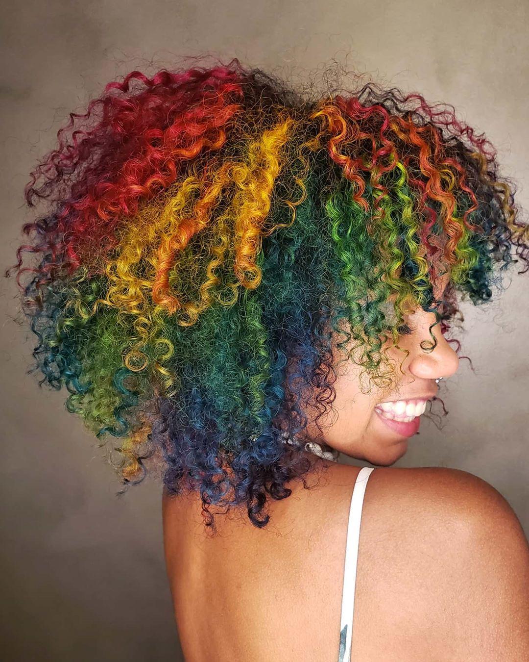 cabelo cacheado colorido 17