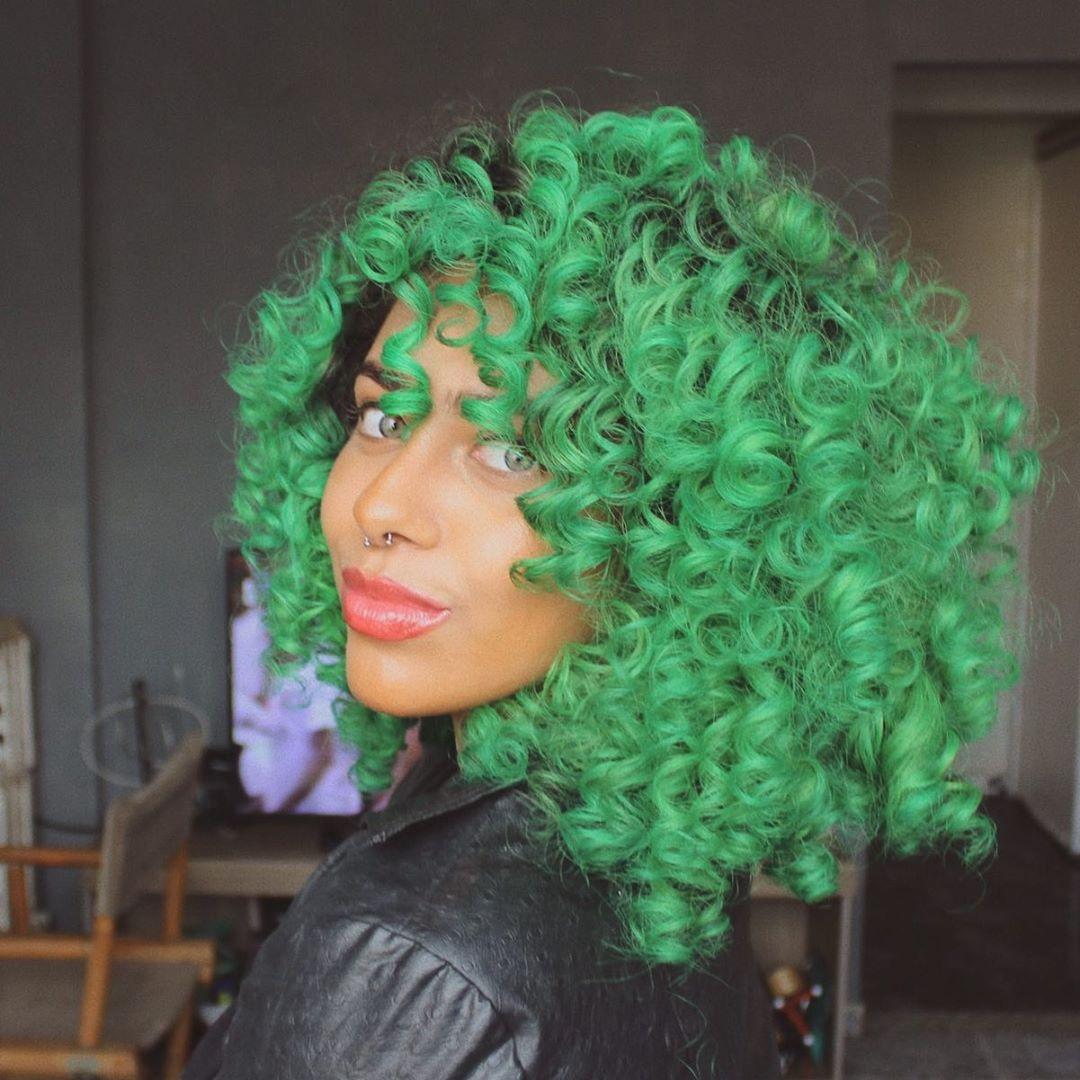 cabelo cacheado colorido 30