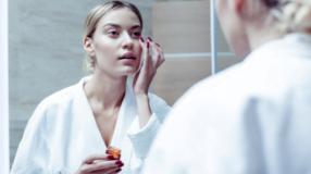 Creme para a área dos olhos: 10 produtos para renovar o olhar
