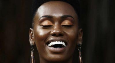 Maquiagem dourada: dicas e inspirações para você brilhar