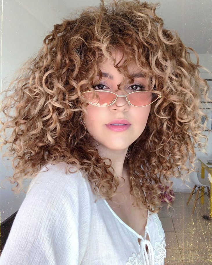 cabelo cacheado com franja 6