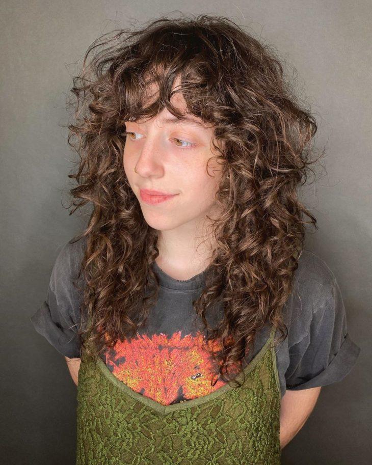 cabelo cacheado com franja 10