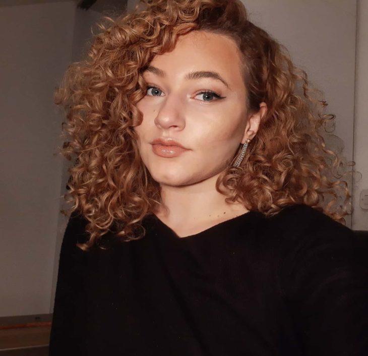 cabelo cacheado com franja 13