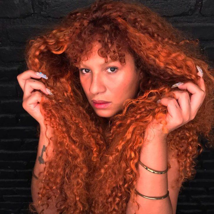 cabelo cacheado com franja 16