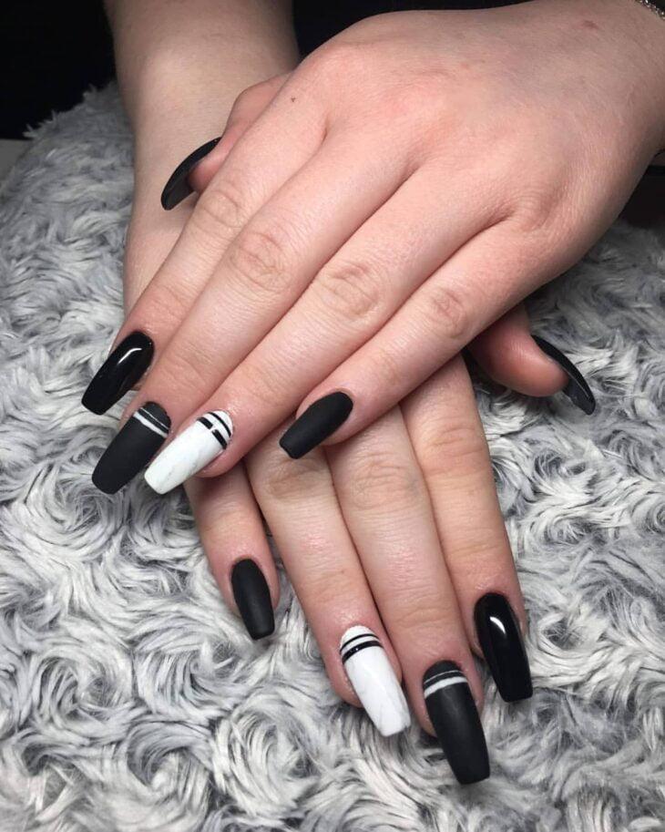 unhas pretas decoradas 7