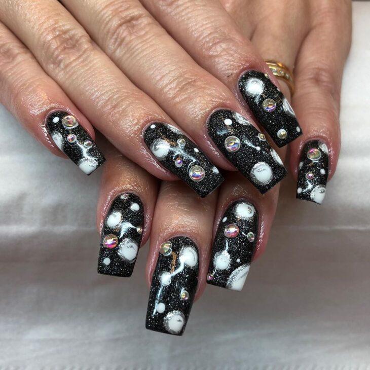 unhas pretas decoradas 9