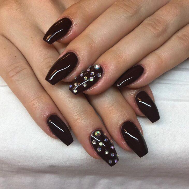 unhas pretas decoradas 12
