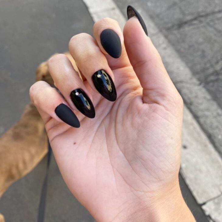 unhas pretas decoradas 13
