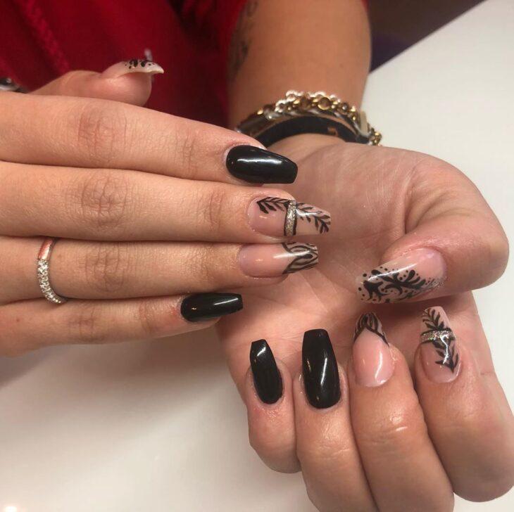 unhas pretas decoradas 16