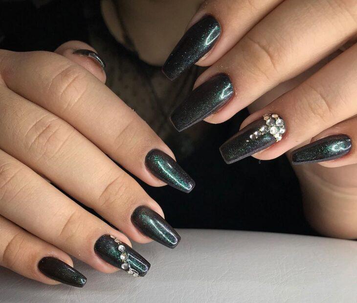 unhas pretas decoradas 18