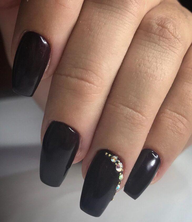 unhas pretas decoradas 19