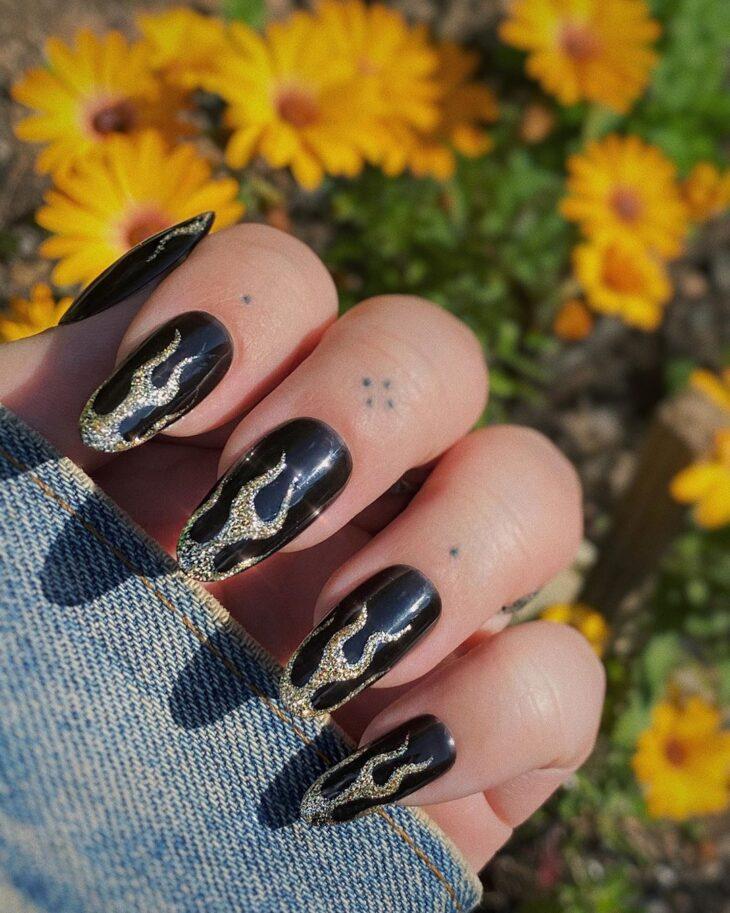 unhas pretas decoradas 36