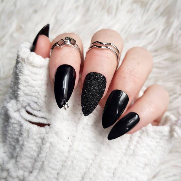 unhas pretas decoradas 39