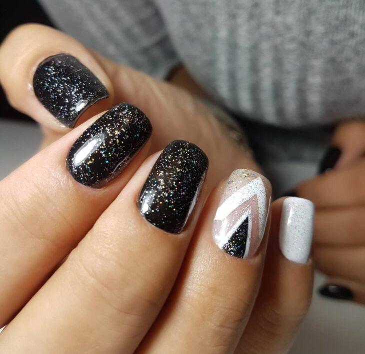 unhas pretas decoradas 45