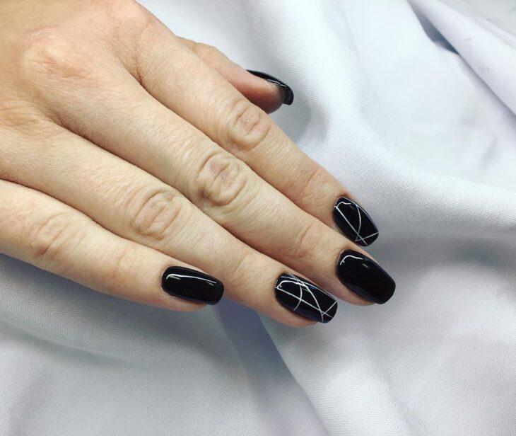 unhas pretas decoradas 75