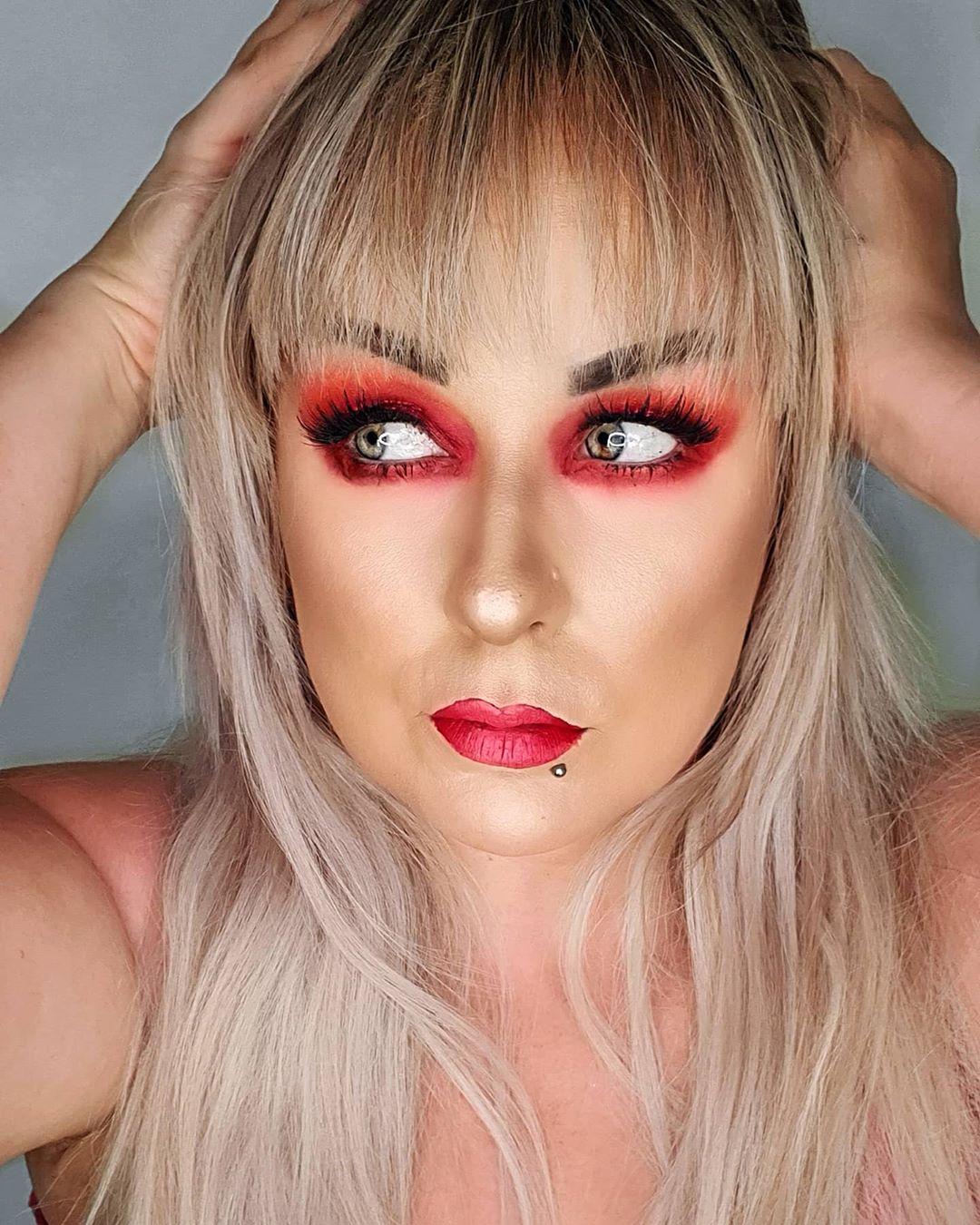 maquiagem com sombra vermelha 49