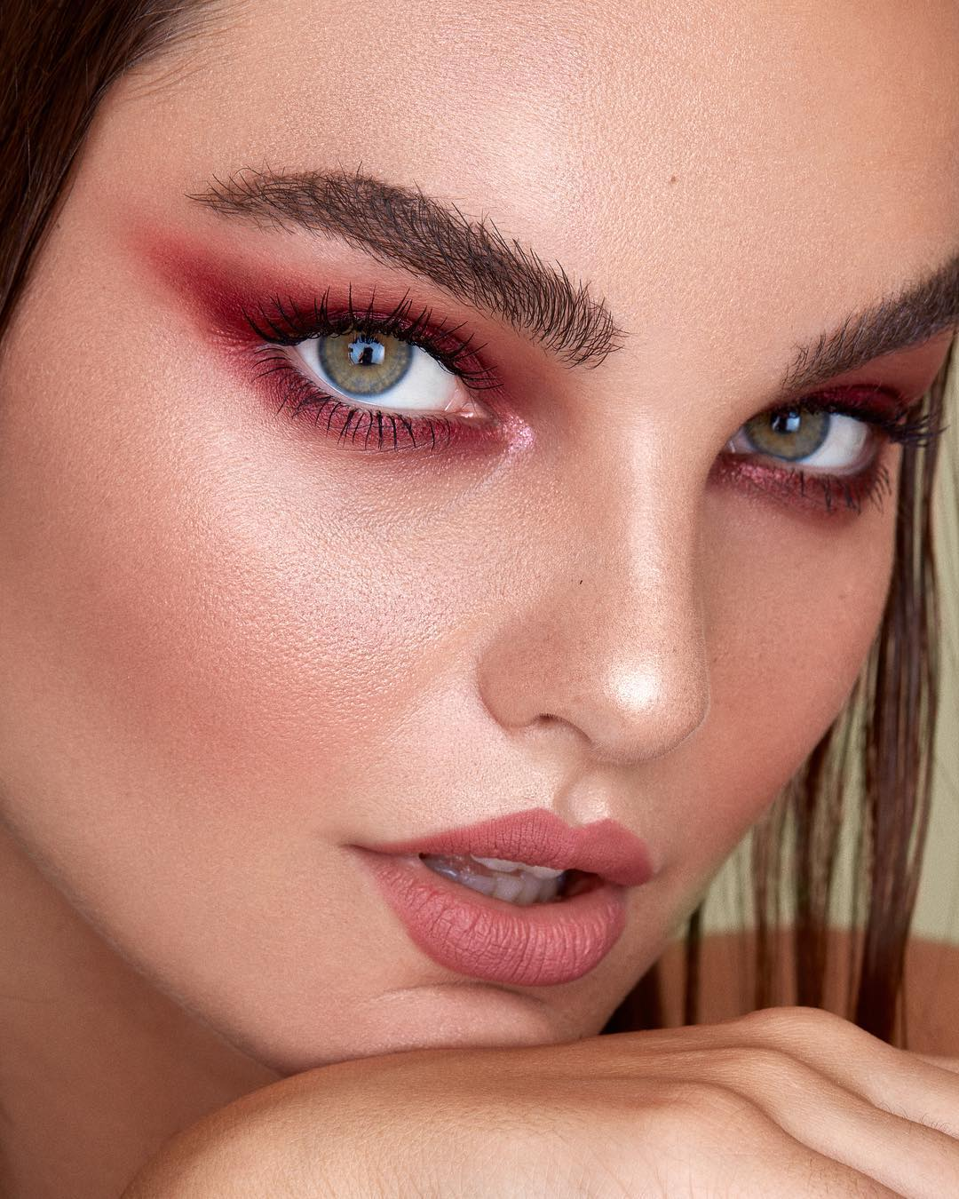 maquiagem com sombra vermelha 4