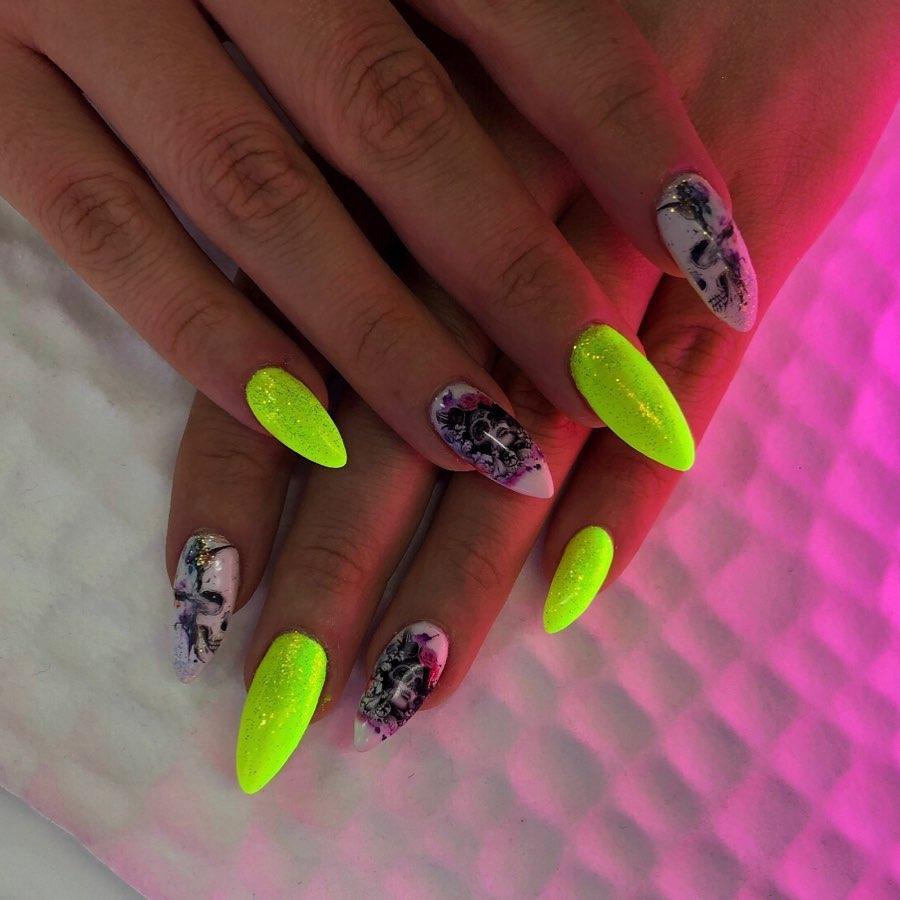 unhas neon 39