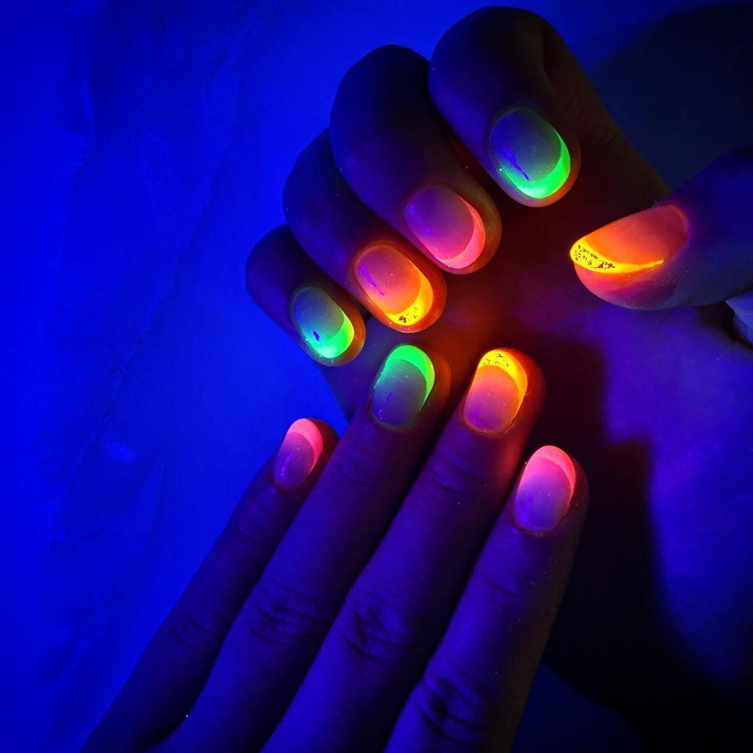 unhas neon 38