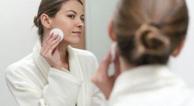 Tônico facial: os 10 melhores e as funções do produto para a pele
