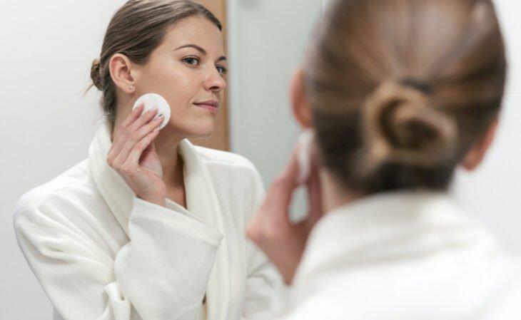 Tônico facial: os 10 melhores e as funções do produto para a pele - 1