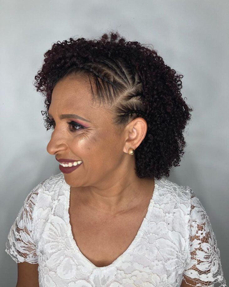 45 fotos e tutoriais de penteados para cabelo cacheado curto - 17