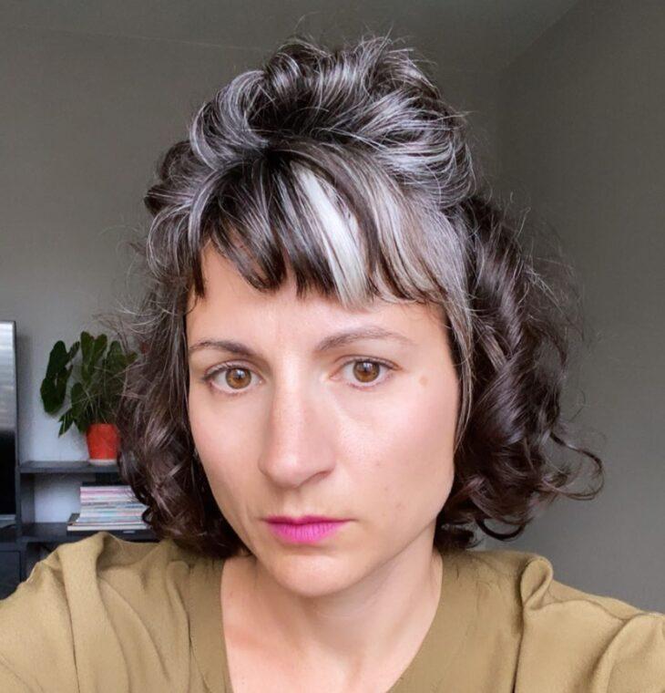 45 fotos e tutoriais de penteados para cabelo cacheado curto - 45