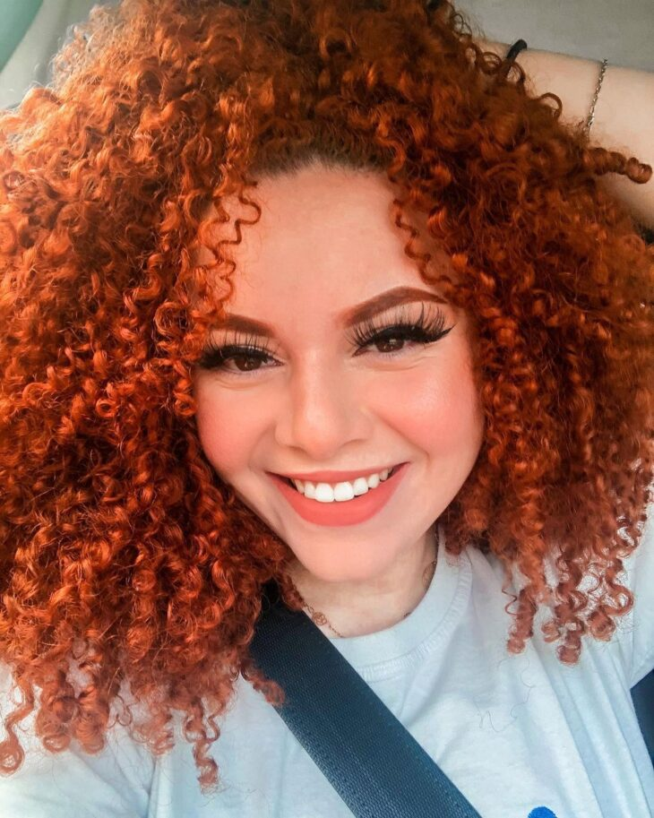cabelo cacheado vermelho 40