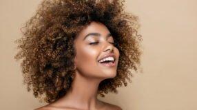 7 melhores marcas de leave-in, como usar e fazer o seu em casa